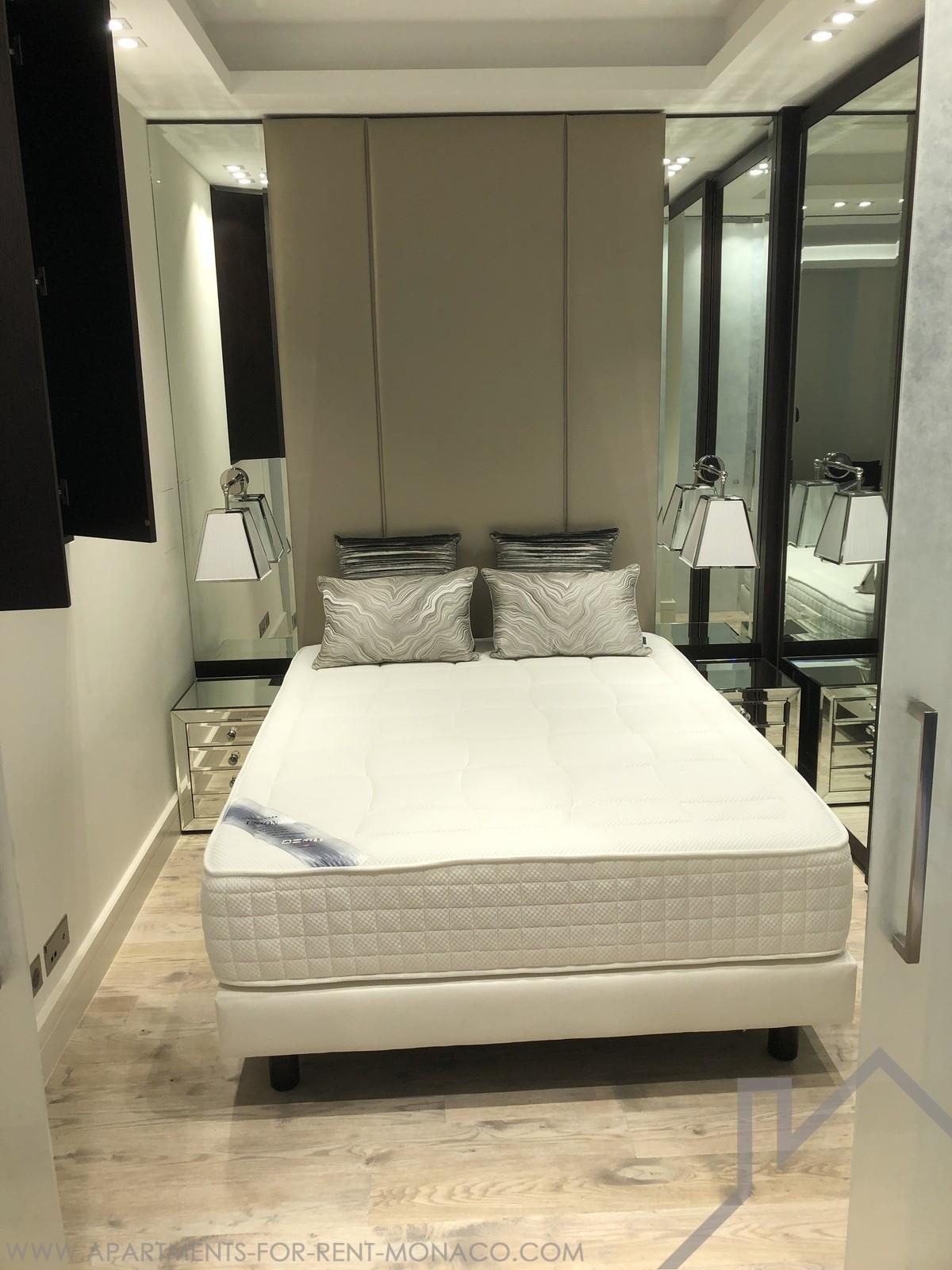 Magnifique studio luxueusement r nov et meubl location for Chambre de commerce monaco
