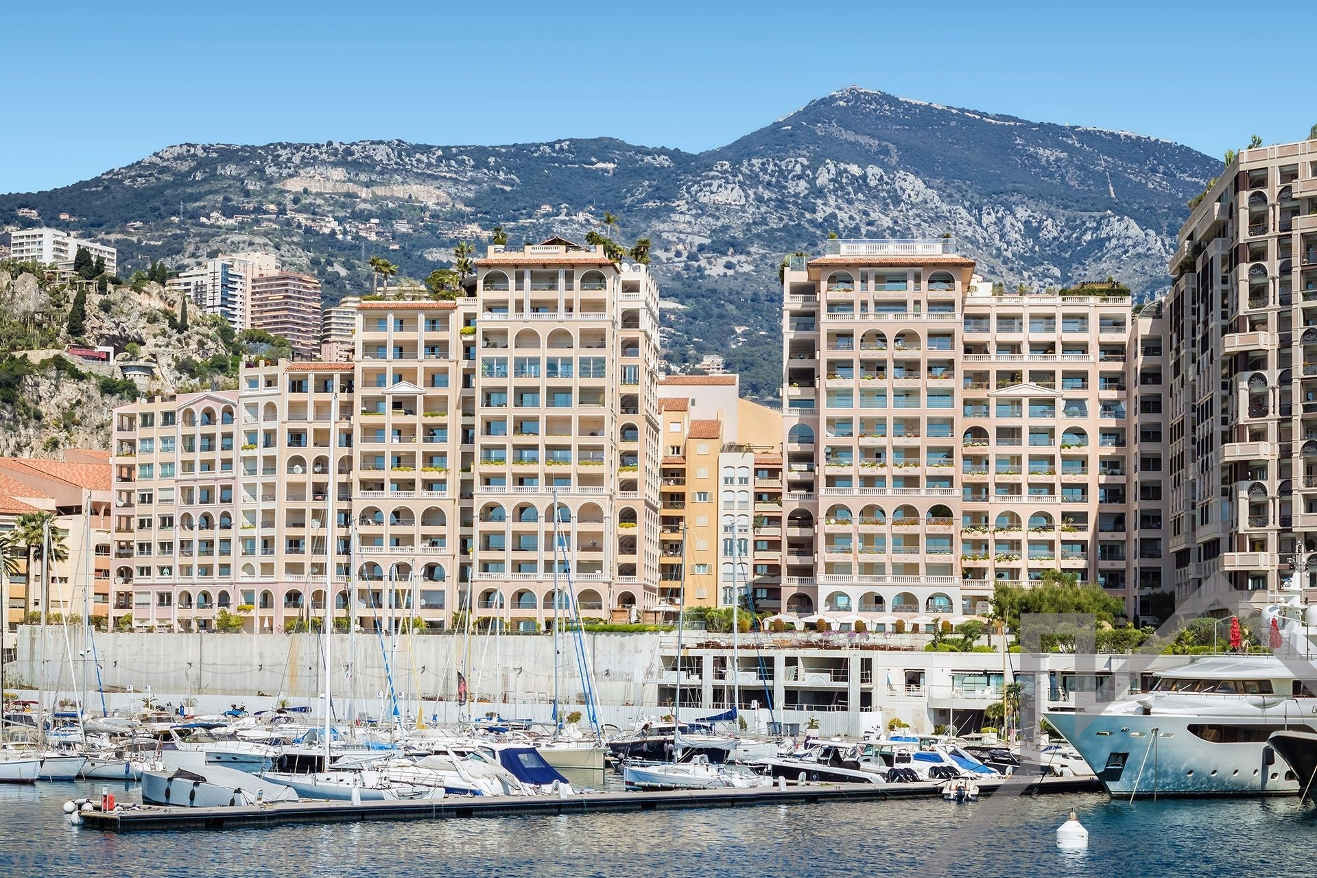 MEMMO CENTER  - Location d'appartements à Monaco