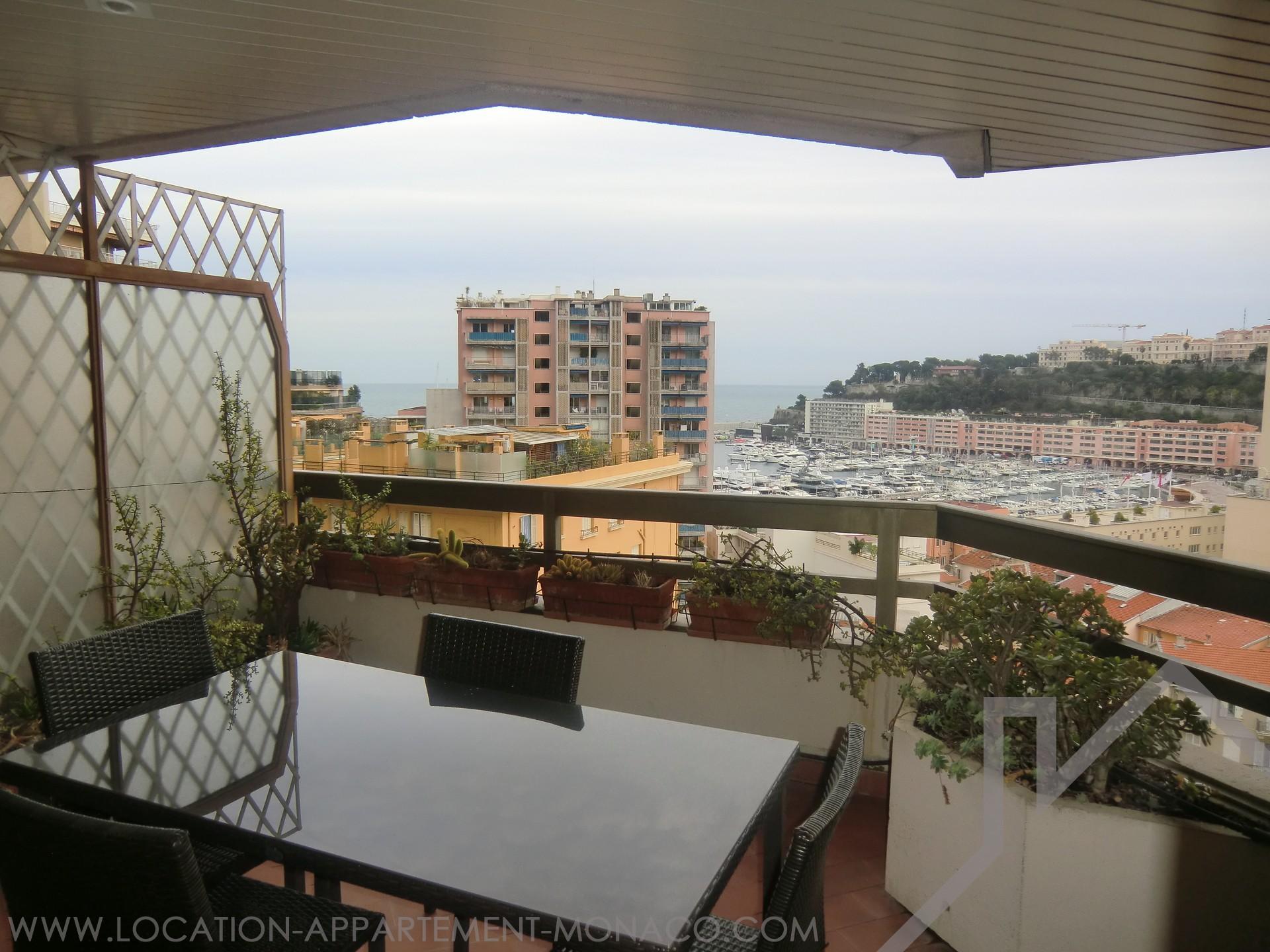 Dominant le port de monaco studio meubl location d for Location d appartement meuble